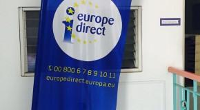 Younous rencontre l'équipe d'Europe Direct à la Réunion