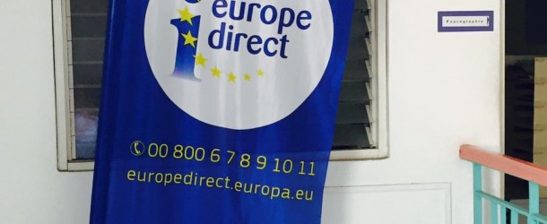 Younous rencontre l'équipe d'Europe Direct à la Réunion