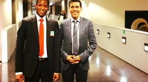 Younous Omarjee rencontre Christophe Ouedraogo étudiant à l'ENA